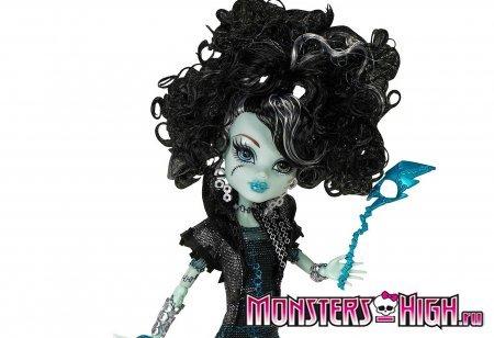 Кукла Френки Штейн (Frankie Stein) крупным планом из серии Правило Призраков